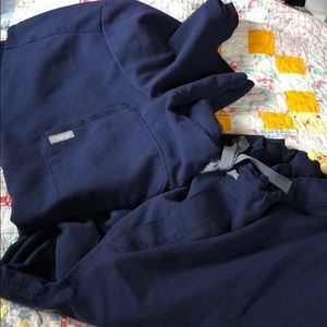 Men's Figs scrubs navy small exc cond